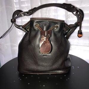 Dooney & Bourke handbag 👜 with dust bag